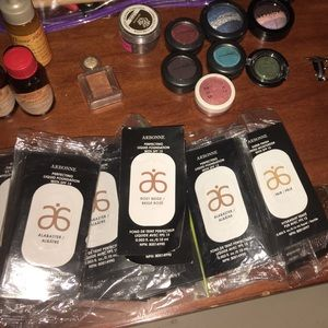 Arbonne samples liquid & powder foundation freebie